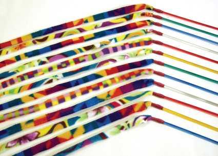 Variedad de colores y diseños de la caña de felpa para gatos
