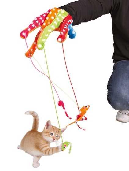 Guante de juego multicolor con ratoncitos colgando