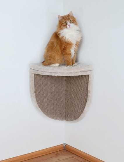 Rascador de pared para esquinas con plataforma para gatos.